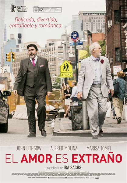 El amor es extraño (2014)